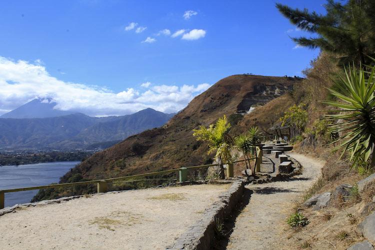 6 mirador - Un recorrido por el Paseo del Lago Amatitlán