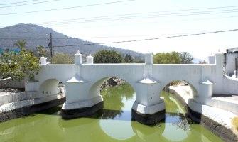 Puente de la Gloria en Amatitlán, un monumento histórico nacional
