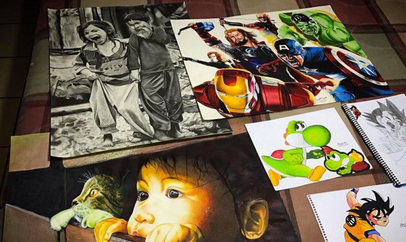 Retratos idénticos de la mano de un joven chapín