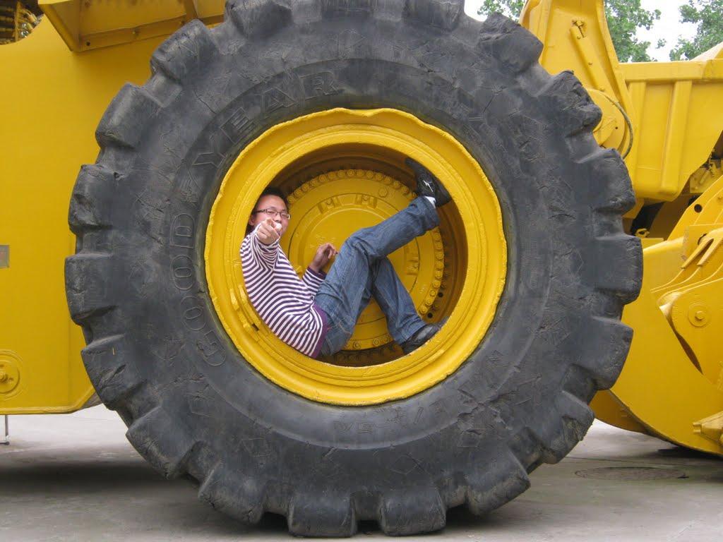 pneu-gigante-02