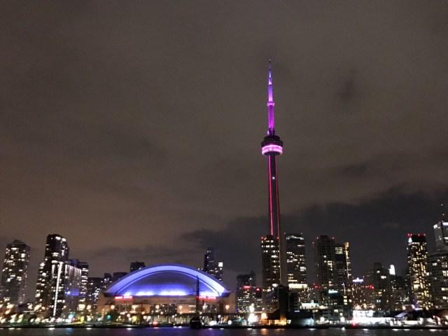 Passeio de barco no Reveillon em Toronto