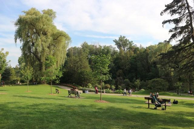 Edwards gardens Toronto botanical garden