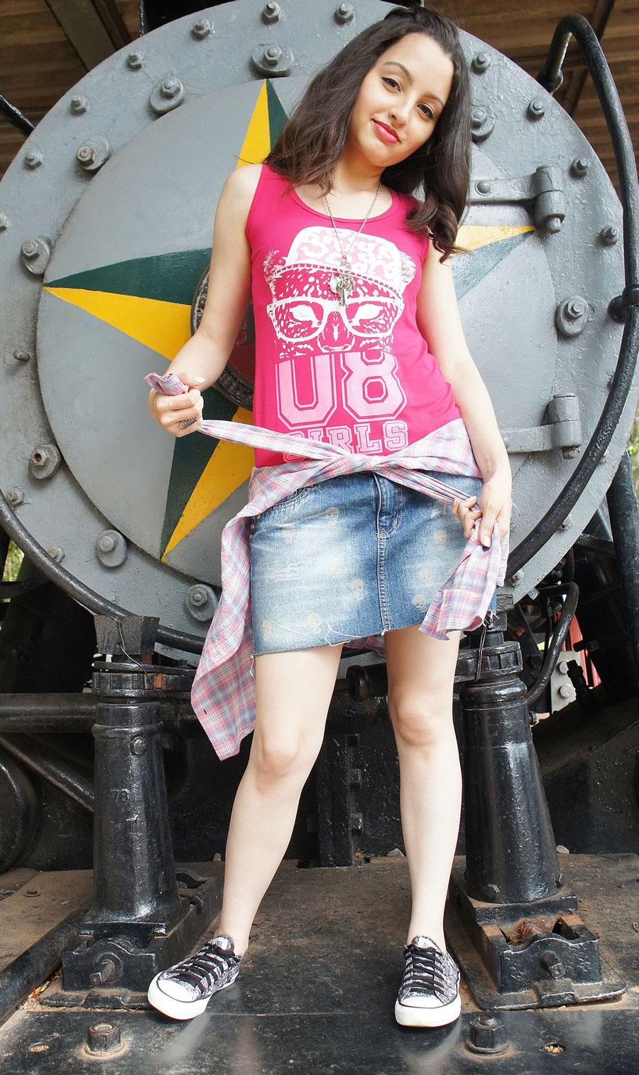 Look Conforto Pink Jeans e Tênis