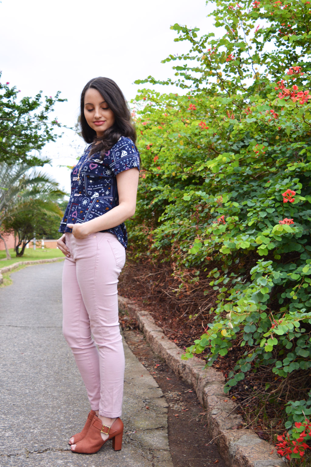Calça Rosa e Bota