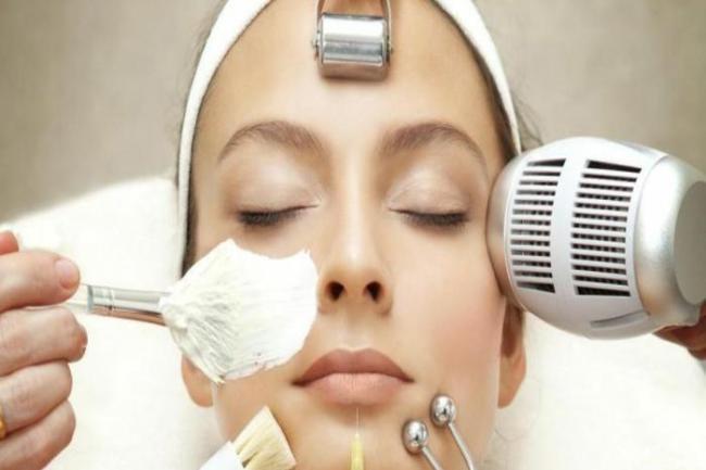 produtos para tirar manchas do rosto 300x200 - Creme para clarear o rosto tenha pele sem manchas