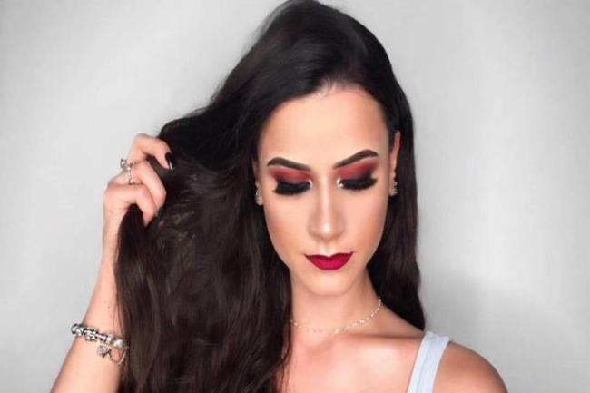 curso de maquiagem online 300x200 - Curso de maquiagem online com Andreia Venturini