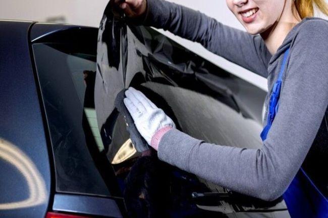curso de instalacao de pelicula automotiva 300x200 - Curso de Envelopamento Automotivo