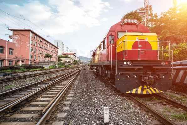 train-stopped-railway-min