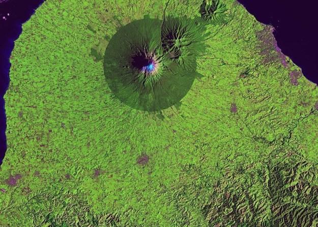 EGMONT NATIONAL PARK, NA NOVA ZELÂNDIA (FOTO: USGS / NASA)