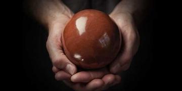 Hikaru Dorodango: A arte de fazer uma esfera