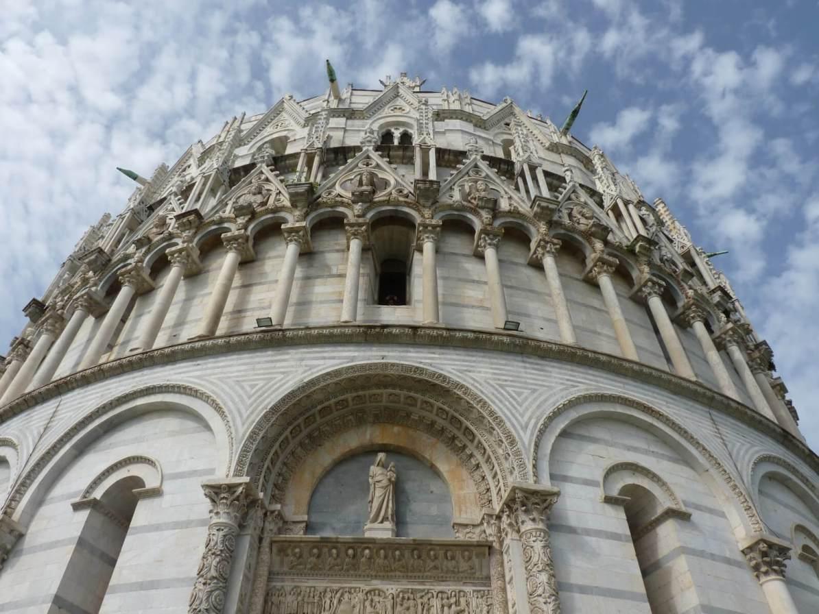 Battistero di San Giovanni Fachada Pisa Itália 01 Mundo Indefinido