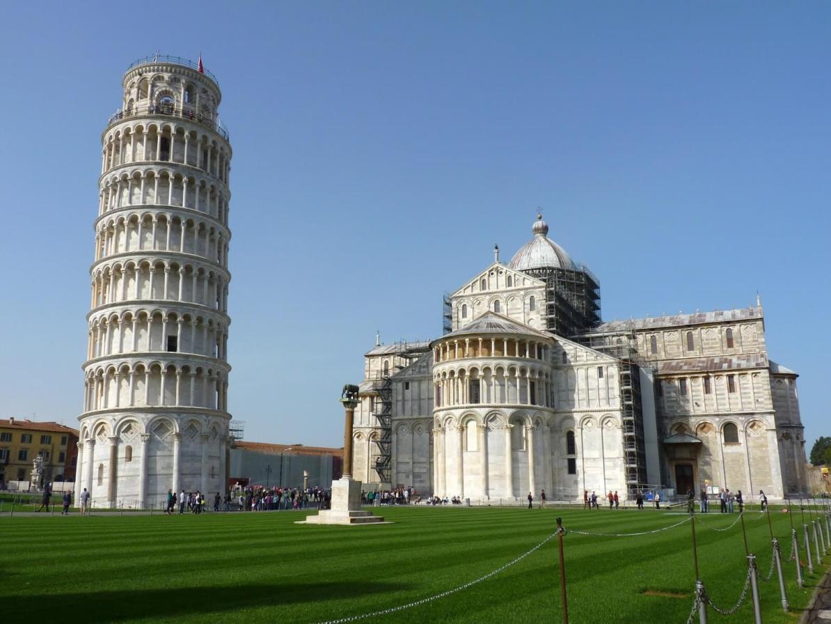 Piazza del Duomo Entrada 01 Pisa Itália Mundo Indefinido