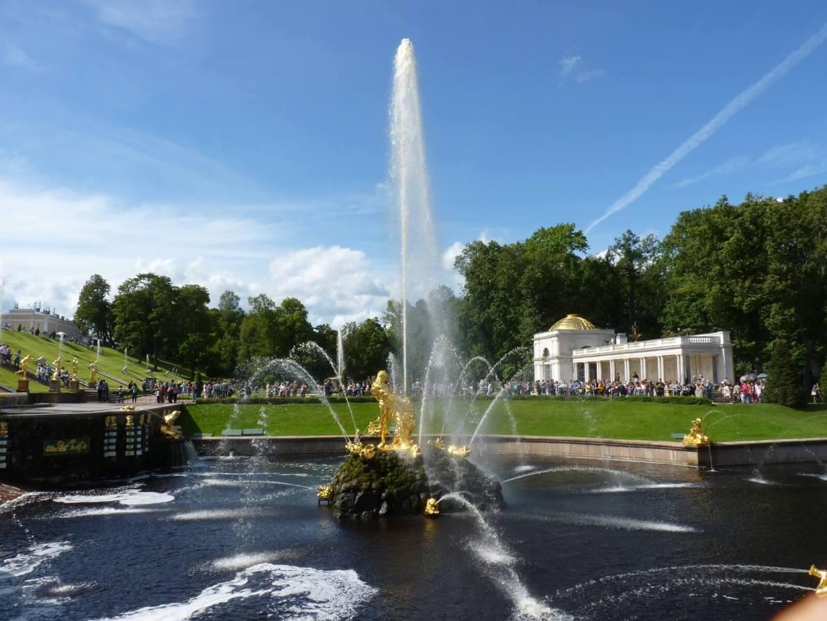 Peterhof com água 03 São Petersburgo Rússia Mundo Indefinido