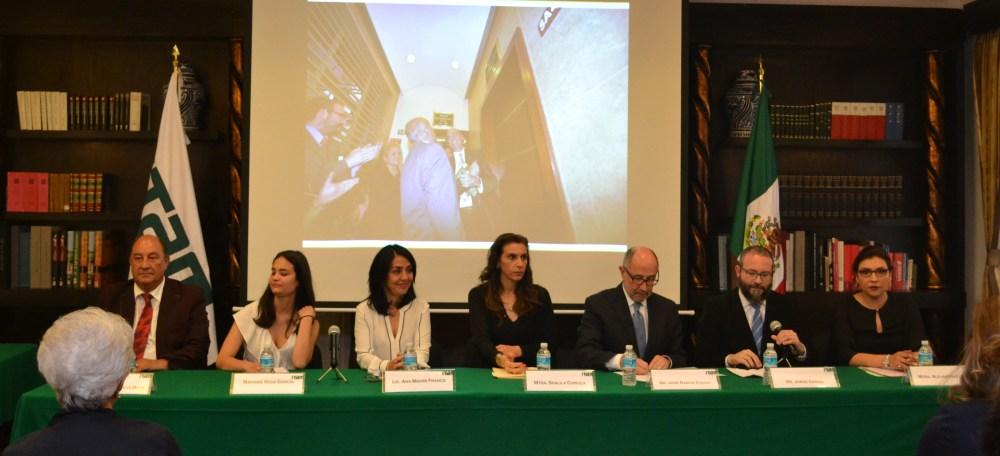 Federico García Moya, Mariana Vega García, Ana Midori Franco, Shalila Curioca, José Ramón Cossio, Jorge Cerdio y Alejandra López. FOTO: ITAM