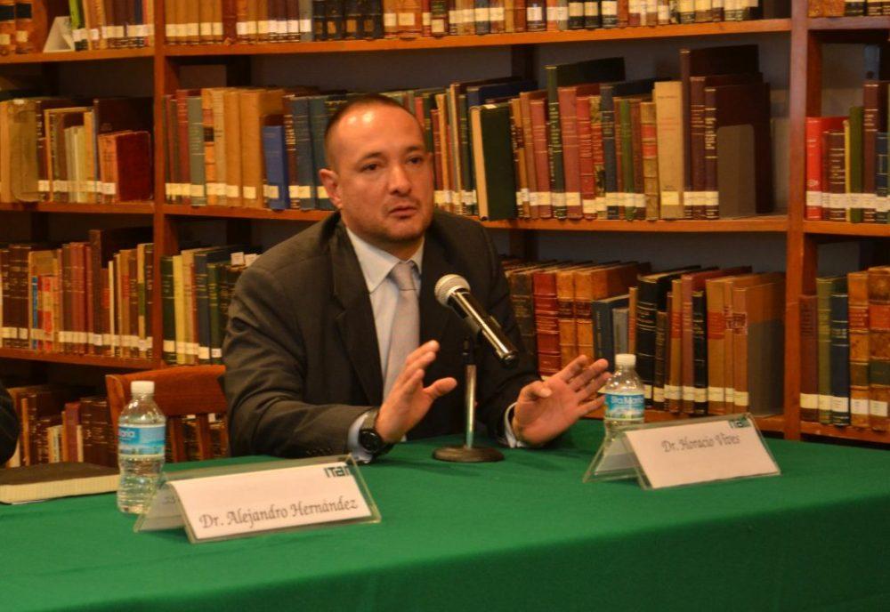 Dr. Horacio Vives Segl, en la presentación de la Beca Alonso Lujambio. FOTO: ITAM