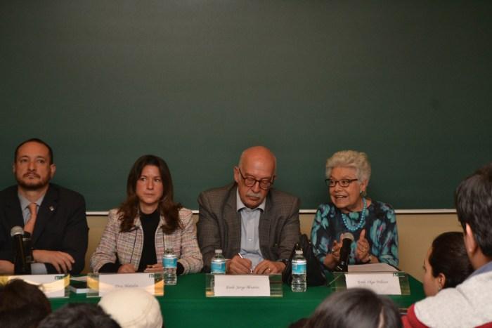 Dr. Horacio Vives, Dra. Natalia Saltalamacchia y embajadores Olga Pellicer y Jorge Álvarez