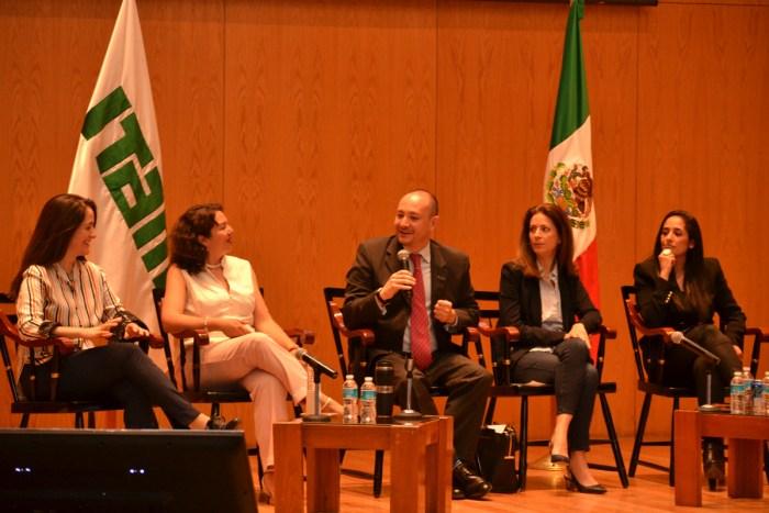 Rosario Aguilar, María del Carmen Nava, Horacio Vives, Mónica Aspe y Mónica Maccise