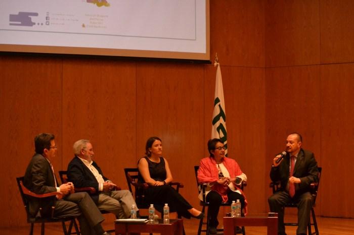 Mesa de discusión de los desafíos de vacunarse en México. FOTO: ITAM