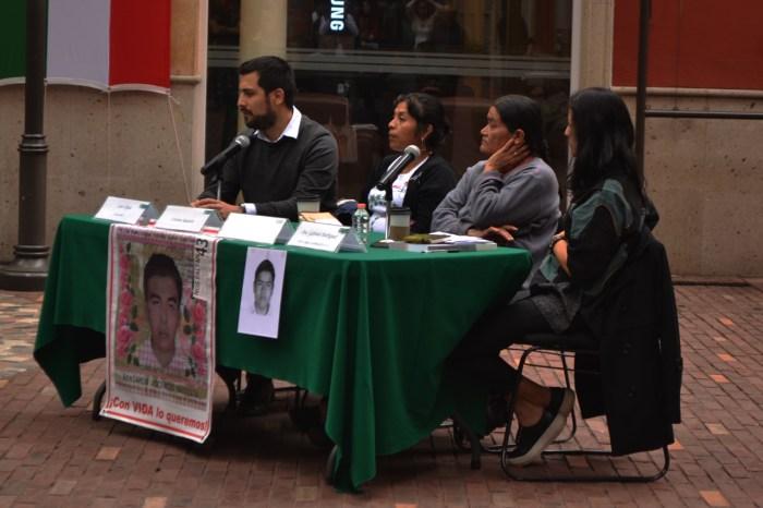 Las madres de los desaparecidos expresan su esperanza de que sus hijos sigan con vida. FOTO: ITAM