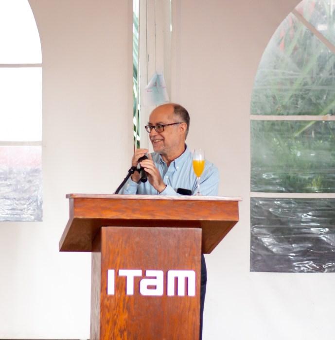 Dr. César Luis García, director de la Licenciatura en Matemáticas Aplicadas