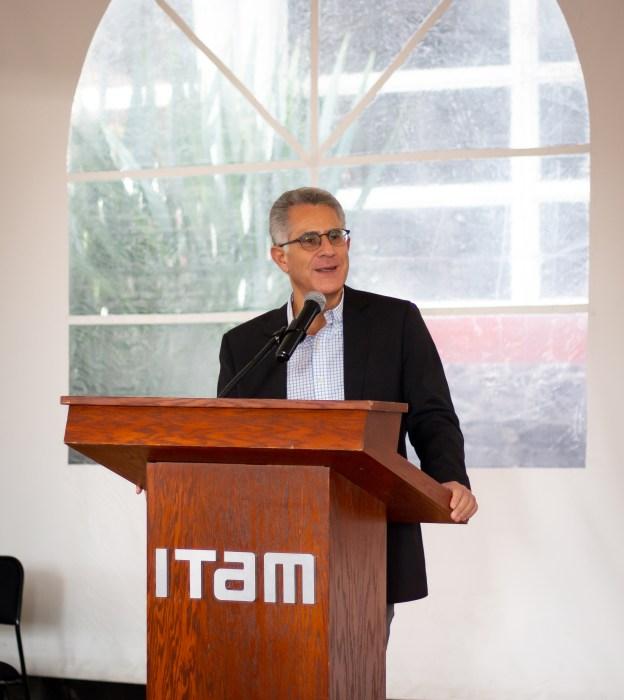 Dr. Alejandro Hernández, vicerrector del ITAM y exalumno de la Licenciatura.