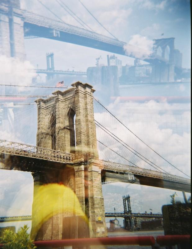 Brooklyn bridge - Holga Fuji 100