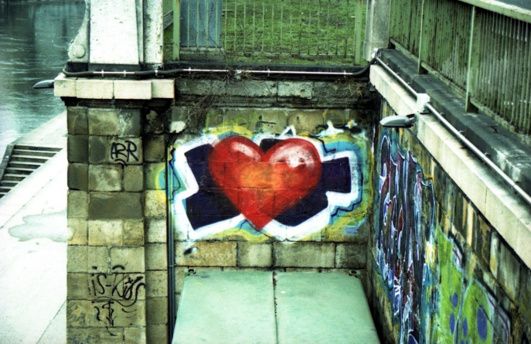 Corazón Rojo - Canon EOS500N - Provia Xpross 100 día