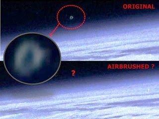 ¿NASA manipula foto y retoca OVNI? 2013