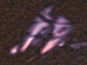 Foto de la NASA muestra un interesante OVNI en el espacio sobre Bolivia – 01 de octubre 2013