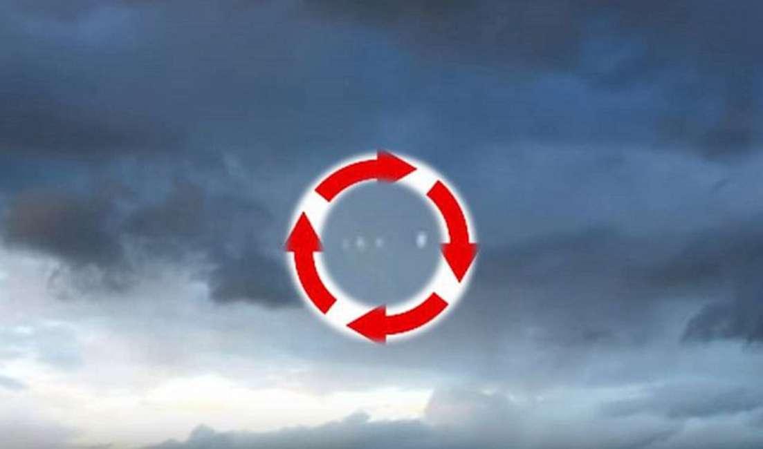 OVNIs Intermitentes en rotación filmado sobre West Kelowna, Columbia Británica