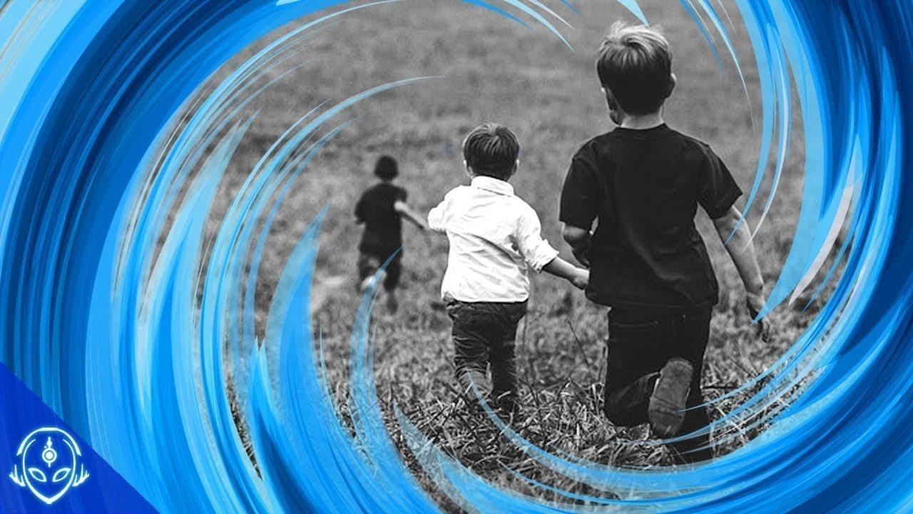 Los Niños Que Viajaron En El Tiempo