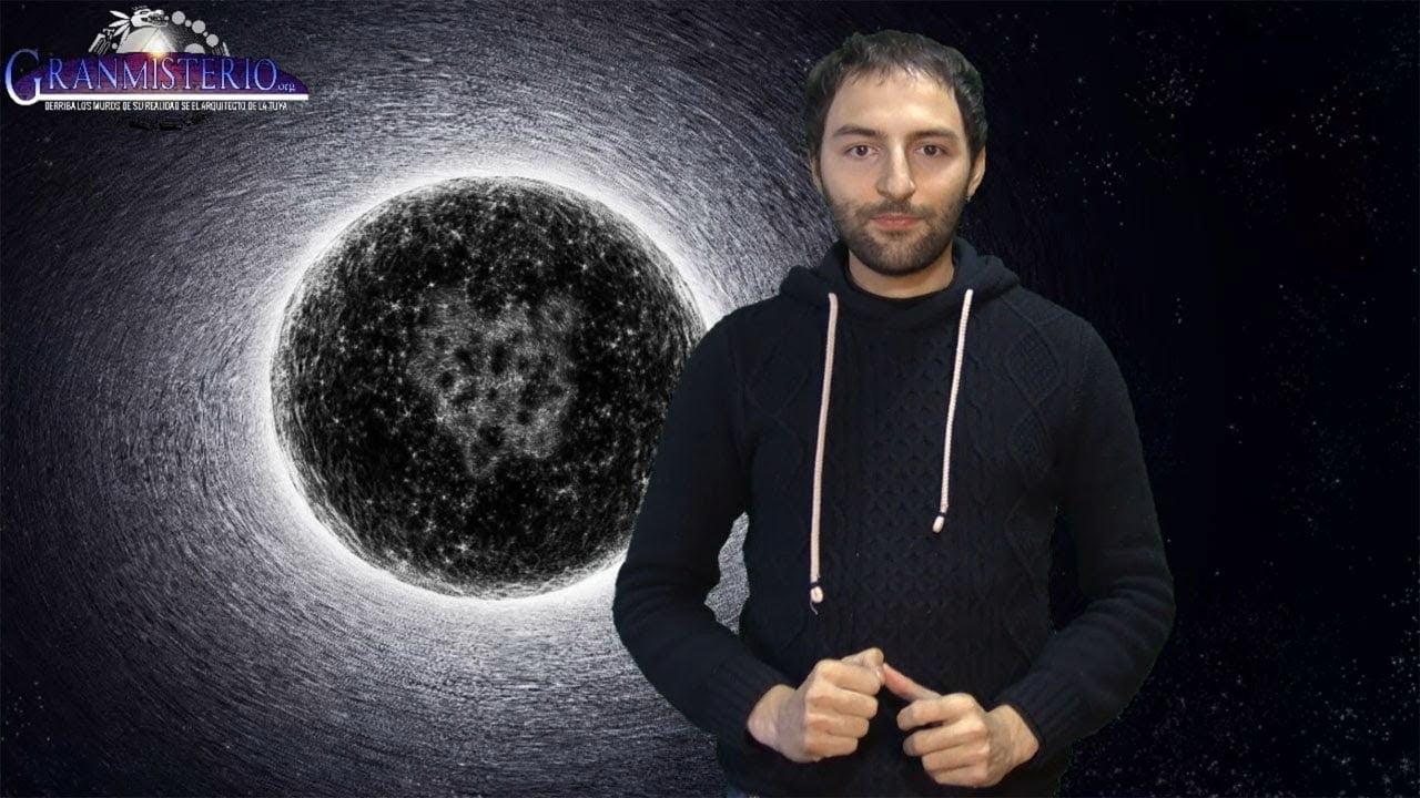 ¿Existen los agujeros Blancos en el interior de los agujeros Negros y mandan al futuro la materia?