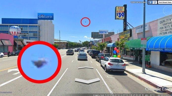 Ovni triangular sobre Beverly Hills Citi Bank, Google Earth, 10 de diciembre de 2020