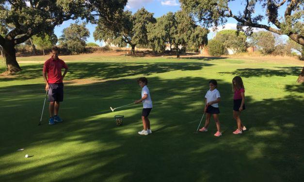 El profesional Marcos Pastor se suma al proyecto formativo de la Escuela de Golf del Real Club de Campo