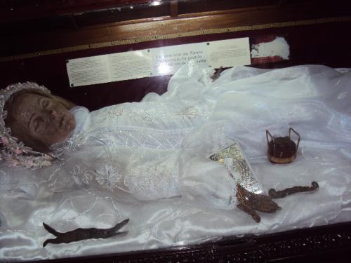 Resultado de imagen de niña muerta abre los ojos