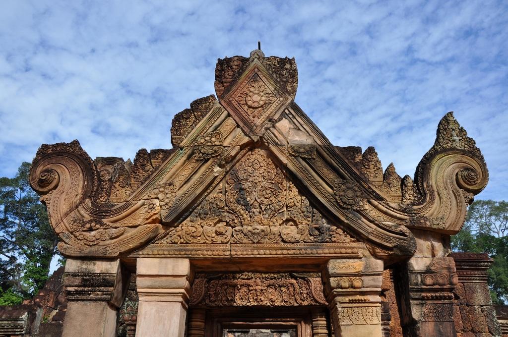Detalle entrada al templo. Banteay Srei 14