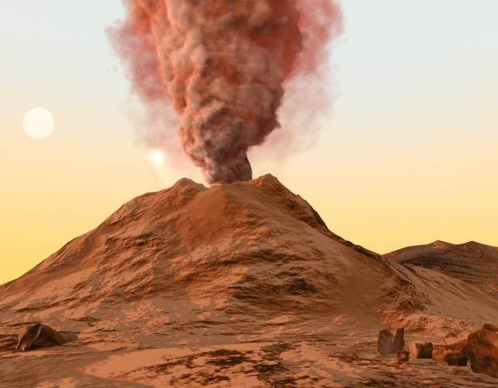 La gravedad en Marte es 38% más débil que en la Tierra, por lo que el material volcánico alcanza mayores alturas al ser expulsado.