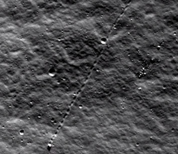 F2D - La Luna,Que Nos Ocultan.