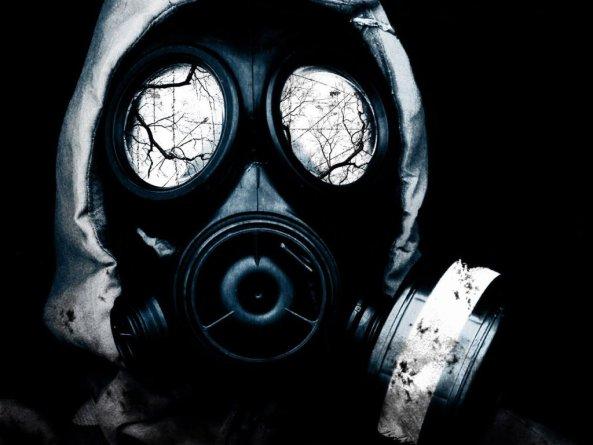 gas mask series black1 - ¿POR QUÉ LA RESERVA FEDERAL DE EEUU CONTRATA A UN ESPECIALISTA EN PREPARACIÓN DE EMERGENCIAS?