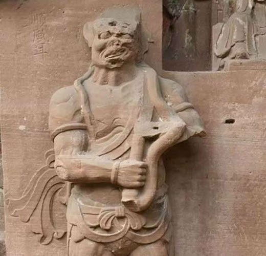 clair3 e1489502407273 FrenteFantasma1 - Antiguas estatuas chinas recién descubiertas representan tecnología desconocida