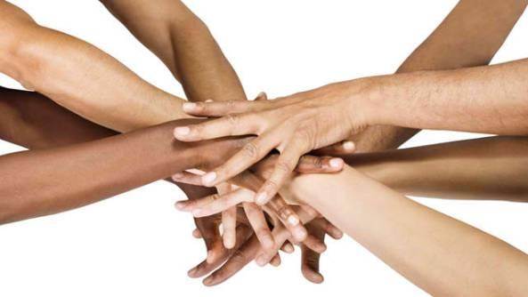 hands of all races - LA MUERTE DEL SUEÑO COLECTIVO