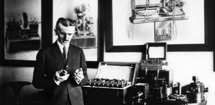 Resultado de imagen de En 1928 Tesla registró la patente número 1.655.144 para una máquina voladora que se parecía tanto a un helicóptero y un avión. Él tenía todo resuelto en su mente y fue poniendo su diseño sobre papel. Tesla dirigido a la creación de la máquina voladora último, impulsado por la energía que se encuentra a nuestro alrededor.