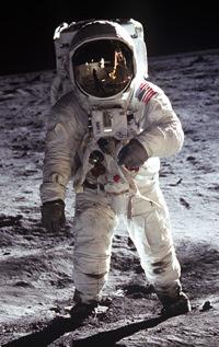 Alunizaje1 - El viaje a la luna NO LO VIMOS, un estudio profundo afirma que las fotos son falsas.