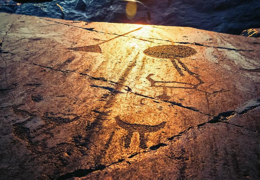 Onega Petroglyphs 2 - Los Petroglifos Onega: ¿Representaciones de seres celestes desde el 6.000 aC?