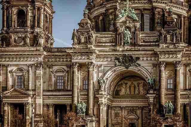 الدراسة والعيش في برلين الألمانية