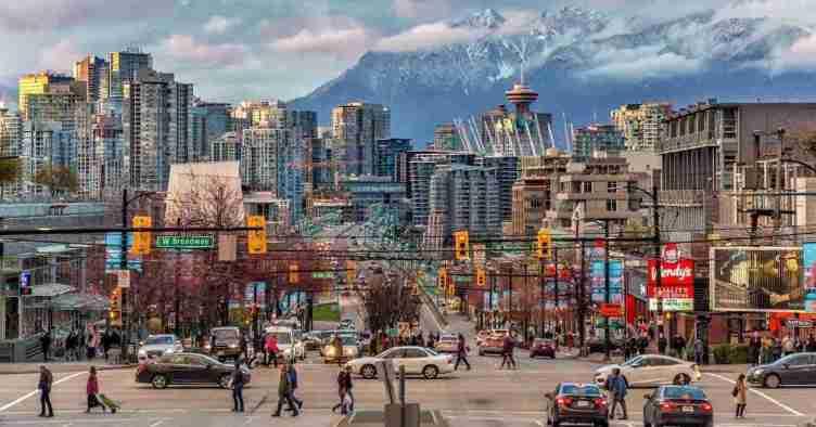2. مدينة فانكوفر Vancouver، كولومبيا البريطانية British Columbia