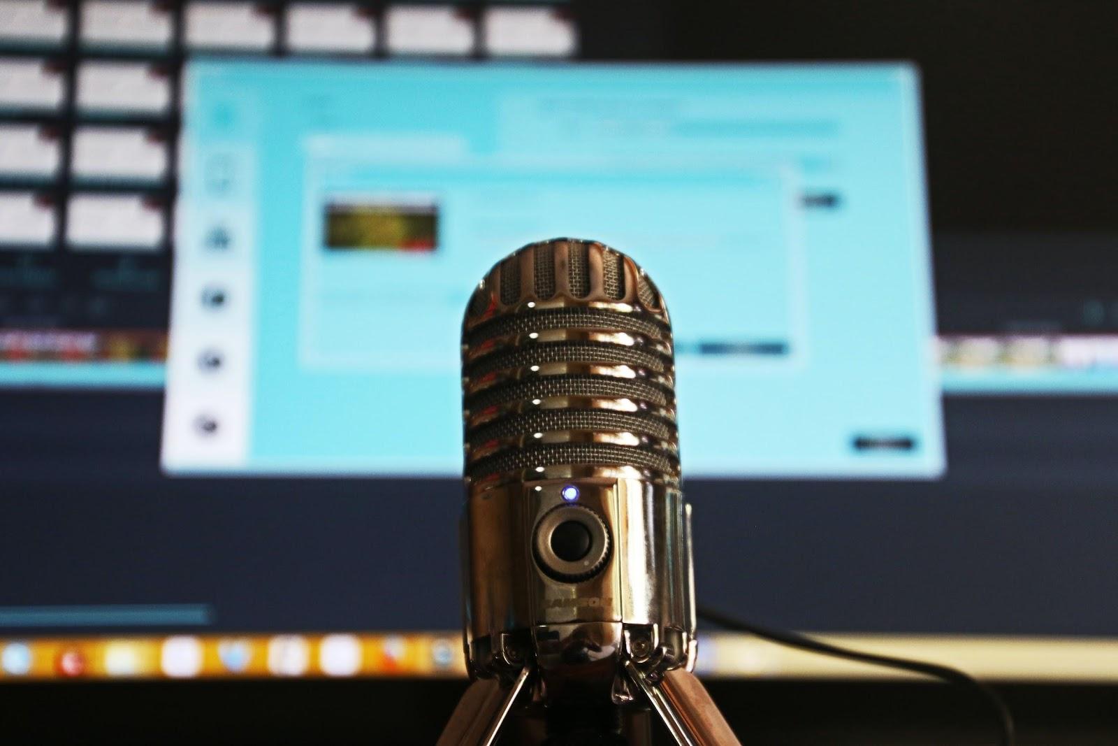 Quais cuidados tomar ao produzir podcasts sobre saúde?