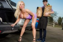 Milfs Like It Big - Sneaky Slut Bags The Scoundrel - Michelle Thorne