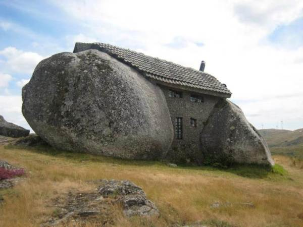 The-House-In-A-Boulder