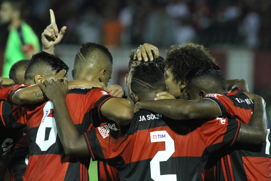 Contra o Vitória, o Flamengo finalmente foi um time